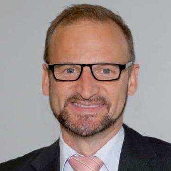 Prof. Dr. med. Oliver Pfaar