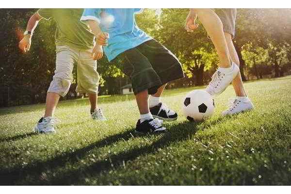 Ernährung von Kindern und Jugendlichen – Gefahren und Risiken von restriktiven Diäten
