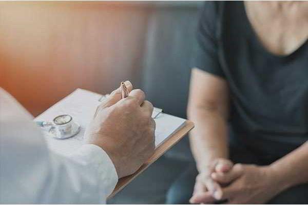Idiopathisches Parkinson-Syndrom – Frühdiagnose und viel versprechende neue Therapieansätze