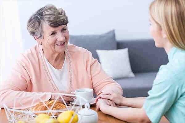 CME Online Fortbildung Ärzte  | Moderne Parkinsontherapie – mehr als Medikamente