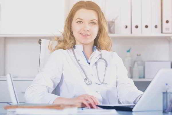 Online CME Fortbildung für Ärzte | Personal- und Praxisführung: Erfolgreiche Motivation und Kommunikation